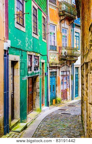 Quaint alleyway scene in Porto, Portugal.