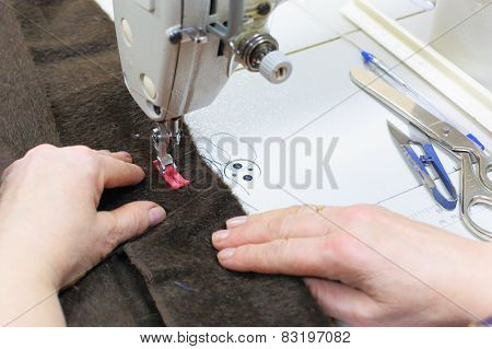 Work on the sewing machine.