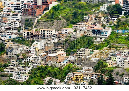 Houses Guappolo hillside