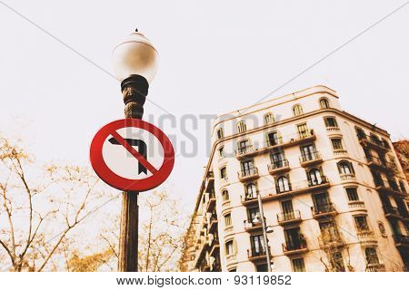 No left turn signs in Barcelona
