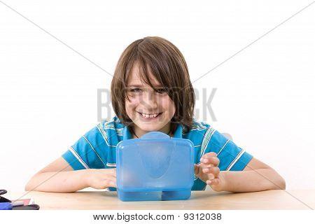 School with breakfast box