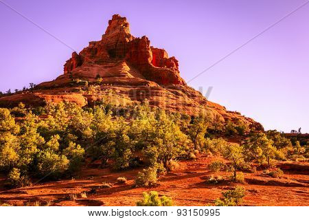 Bell Rock Butte in Sedona, Arizona in evening light