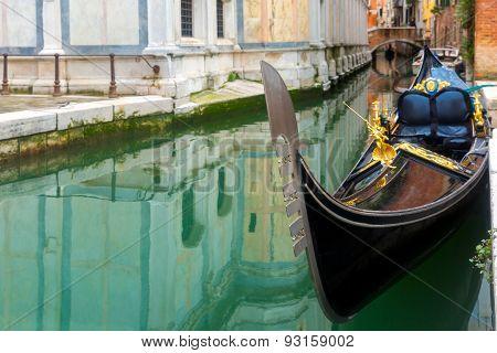 Gondola in Venice canal, Italia