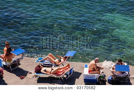 People Tanning