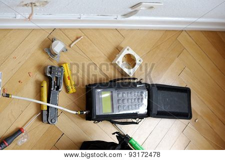 Network And Spectrum Analyzers And Tool After Installing Fiber Optics To Household