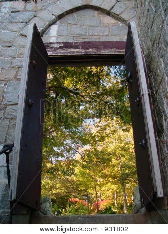 Hammond Castle Entry