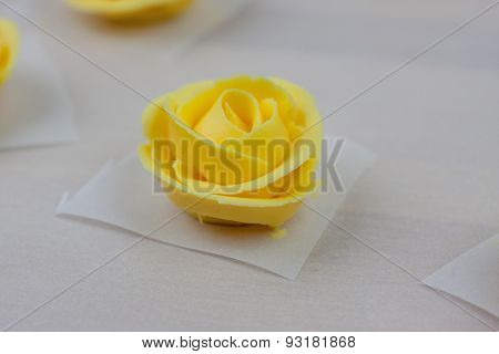 Yellow Icing Roses