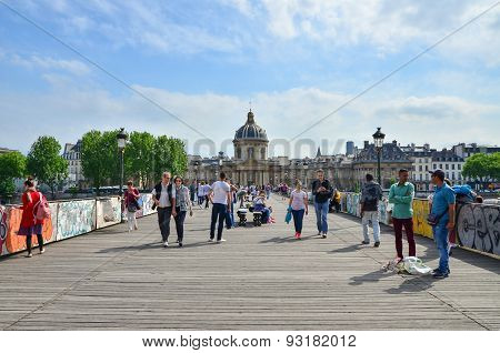Paris, France - May 13, 2015: People Visit Institut De France And The Pont Des Arts