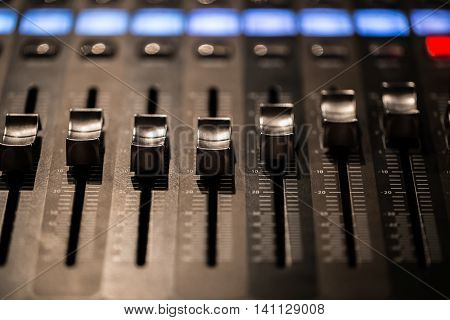 Fader Digital Mixing Console With Volume Meter