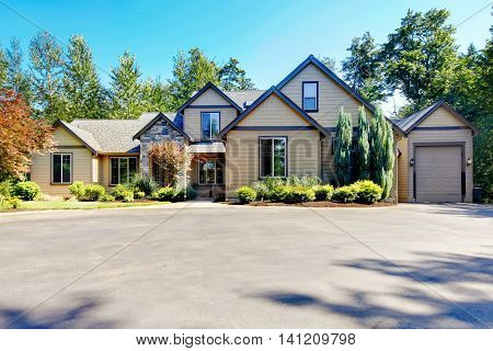 Curb Appeal Of Luxury Two Story Hose With Garage