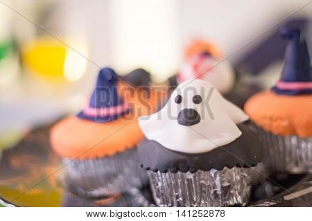 Ghost cake pops candy for halloween birthday party
