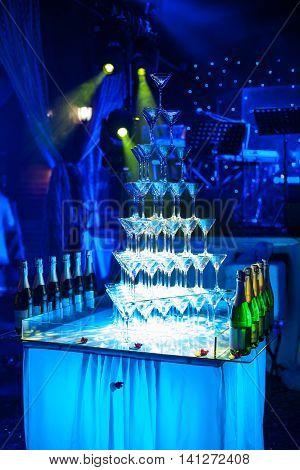 Martini Glasses Pyramid;