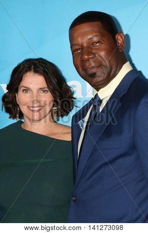 LOS ANGELES - AUG 3:  Julia Ormond, Dennis Haysbert at the NBCUniversal Cable TCA Summer 2016 Press Tour at the Beverly Hilton Hotel on August 3, 2016 in Beverly Hills, CA