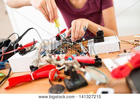 Flying Drone Assembler