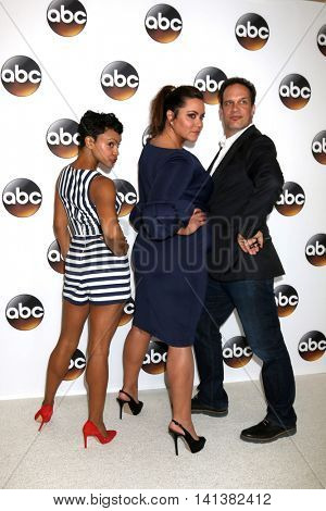 LOS ANGELES - AUG 4:  Carly Hughes, Katy Mixon, Diedrich Bader at the ABC TCA Summer 2016 Party at the Beverly Hilton Hotel on August 4, 2016 in Beverly Hills, CA