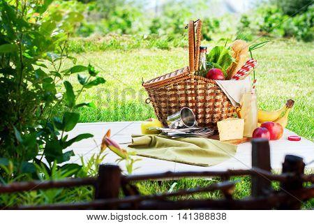 Picnic Wattled Basket Grass Setting Food Drink