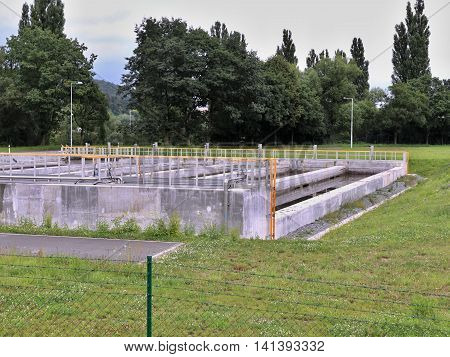 Concrete water retention tanks to capture water