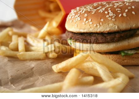 Beefburger With Cheese & Frensh Fries