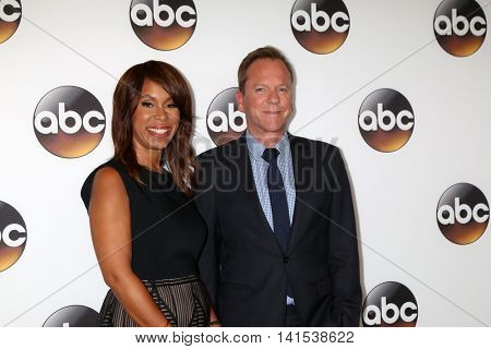 LOS ANGELES - AUG 4:  Channing Dungey, Kiefer Sutherland at the ABC TCA Summer 2016 Party at the Beverly Hilton Hotel on August 4, 2016 in Beverly Hills, CA