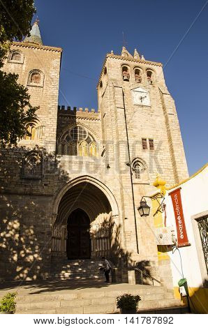 view of the facade of Se cathedral in Evora