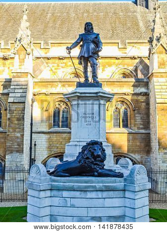 Oliver Cromwell Statue Hdr