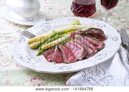 Point Steak with Green Asparagus