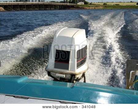Outboard Motor1