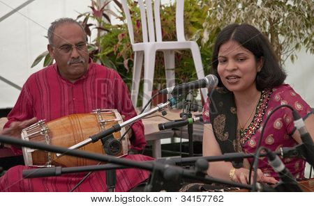 Classical Indian singer Pooja Angra performing live in the Acoustic Cafe