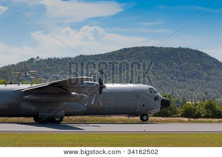 c130 with propeller