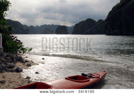 Kayak In Ha Long Bay