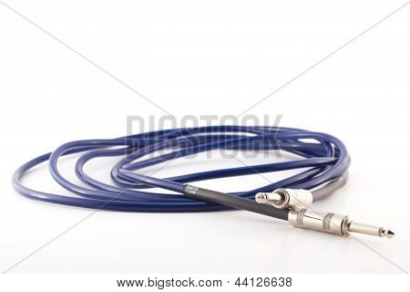 guitar amp cable coiled