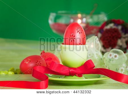 Easter Table Setting In Green And Red