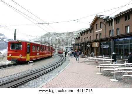 Kleine Scheidegg Train Station