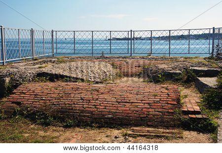Brick Tunnel