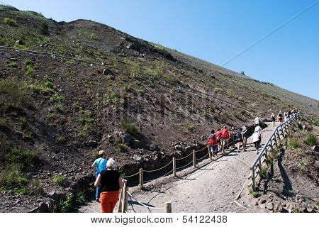 Ascent to the crater of the volcano Vesuvius