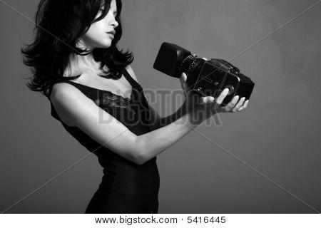 Moça fotografando