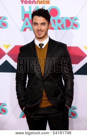 LOS ANGELES - NOV 17:  Kevin Jonas at the TeenNick Halo Awards at Hollywood Palladium on November 17, 2013 in Los Angeles, CA
