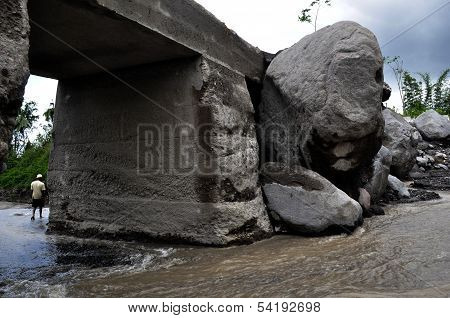 Large Boulder Stuck on the Bridge