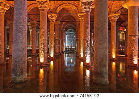 Underground water Basilica Cistern - Istanbul Turkey