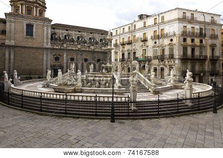 Palermo, Piazza Pretoria