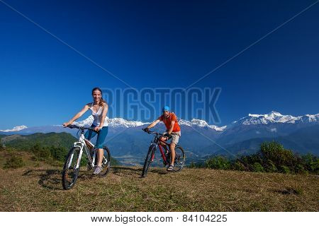 Biker family in Himalaya mountains Anapurna region