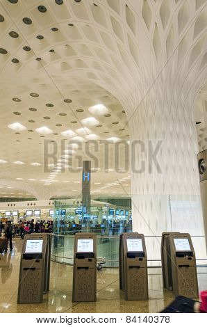 Mumbai, India - January 5, 2015: Crowd At Visit Chhatrapati Shivaji International Airport.