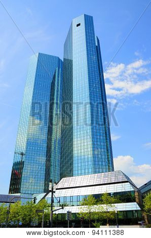 FRANKFURT, GERMANY - MAI 20: Deutsche Bank Skyscrapers on Mai 20, 2012 in Frankfurt, Germany