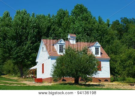 Colonial Ranch Home