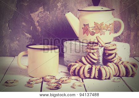 Tea Composition With Enamelware And Dry Bagels