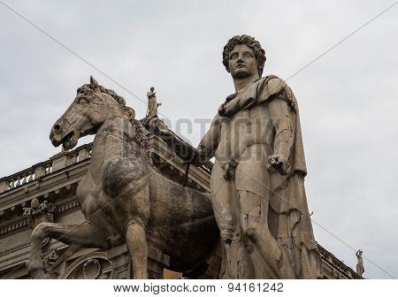 Statue of Castor