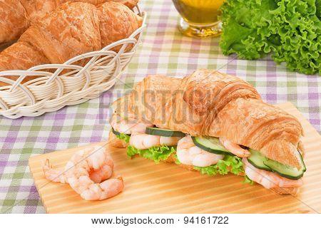 sandwich with prawns
