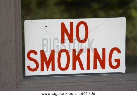 Sign: No Smoking