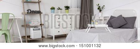 Minimalistic Design In Bedroom For Single