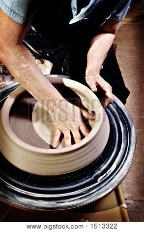 Shaping Pottery With Holga Look